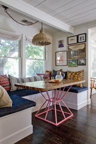 Kitchen Banquette picture source from Pinterest